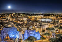 Vittoriano Terrace / Rome aerial view by night with full moon 20055034663| 写真素材・ストックフォト・画像・イラスト素材|アマナイメージズ