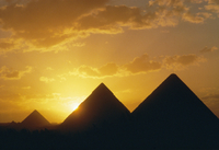 Sunset, the Pyramids, Giza, UNESCO World Heritage Site, Cairo, Egypt, North Africa, Africa 20062007095| 写真素材・ストックフォト・画像・イラスト素材|アマナイメージズ