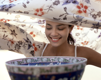 Aromatherapy, young woman prepares to inhale steam 20062010487| 写真素材・ストックフォト・画像・イラスト素材|アマナイメージズ