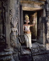 Traditional Cambodian apsara dancer, temples of Angkor Wat, UNESCO World Heritage Site, Siem Reap Province, Cambodia, Indochina, 20062011813| 写真素材・ストックフォト・画像・イラスト素材|アマナイメージズ