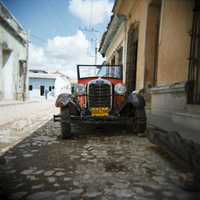 Old Ford car, Trinidad, Cuba, West Indies, Central America 20062015741| 写真素材・ストックフォト・画像・イラスト素材|アマナイメージズ