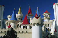 Brightly coloured turrets of the Excalibur Hotel and Casino in Las Vegas, Nevada, United States of America, North America 20062018807| 写真素材・ストックフォト・画像・イラスト素材|アマナイメージズ