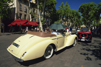 Alpes Retro vintage car rally, Cours Mirabeau, Aix-en-Provence, Bouches-du-Rhone, Provence, France, Europe 20062019171| 写真素材・ストックフォト・画像・イラスト素材|アマナイメージズ