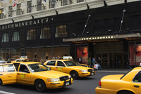 Bloomingdales department store, Lexington Avenue, Upper East Side, Manhattan, New York City, New York, United States of America, 20062021522| 写真素材・ストックフォト・画像・イラスト素材|アマナイメージズ