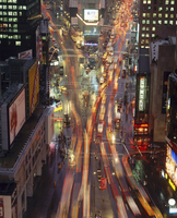 Night time view of lights in Times Square in New York, USA 20062026453| 写真素材・ストックフォト・画像・イラスト素材|アマナイメージズ