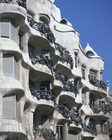 Balconies on the Casa Mila, a Gaudi house, UNESCO World Heritage Site, in Barcelona, Cataluna, Spain, Europe 20062026526| 写真素材・ストックフォト・画像・イラスト素材|アマナイメージズ