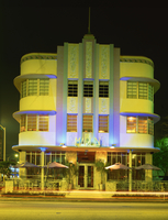 The Marlin Hotel illuminated at night, Ocean Drive, Art Deco District, Miami Beach (South Beach), Miami, Florida, United States 20062026555| 写真素材・ストックフォト・画像・イラスト素材|アマナイメージズ