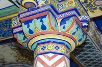 Brightly painted column and ceiling in the Juna Mahal Fort, Dungarpur, Rajasthan state, India, Asia 20062031414| 写真素材・ストックフォト・画像・イラスト素材|アマナイメージズ