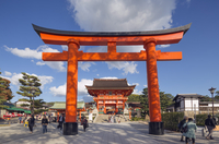 Torii gate at Fushimi Inari Jinja, Shinto shrine, UNESCO World Heritage Site, Kyoto, Honshu, Japan, Asia 20062048562| 写真素材・ストックフォト・画像・イラスト素材|アマナイメージズ