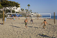 Volleyball on Laguna Beach, Orange County, California, United States of America, North America 20062069252| 写真素材・ストックフォト・画像・イラスト素材|アマナイメージズ