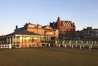 Caddie Pavilion and The Royal and Ancient Golf Club at the Old Course, St. Andrews, Fife, Scotland, United Kingdom, Europe