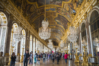 Visitors in the Hall of Mirrors, Palace of Versailles 20080000343| 写真素材・ストックフォト・画像・イラスト素材|アマナイメージズ