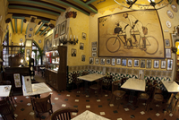 Les Quatre Gats cafe (frequented by Picasso), Barcelona, Spain 20088025969| 写真素材・ストックフォト・画像・イラスト素材|アマナイメージズ