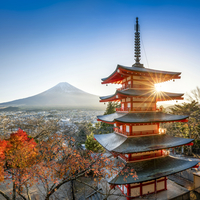 Chureito Pagoda with Mount Fuji during autumn season, Fujiyoshida, Yamanashi prefecture, Japan 20088050020| 写真素材・ストックフォト・画像・イラスト素材|アマナイメージズ