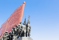 Democratic Peoples's Republic of Korea (DPRK), North Korea, Pyongyang, Mansudae Grand Monument depicting the 'Anti Japanese Revo 20088060960| 写真素材・ストックフォト・画像・イラスト素材|アマナイメージズ