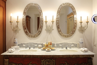 South America, Peru, Cusco, the bathroom of the palacio suite in the Orient-Express Palacio Nazarenas hotel, housed in a former 20088064296| 写真素材・ストックフォト・画像・イラスト素材|アマナイメージズ