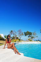 South East Asia, Philippines, The Visayas, Cebu, Bantayan Island, Paradise Beach, girl at Ogtong resort pool (MR) 20088064632| 写真素材・ストックフォト・画像・イラスト素材|アマナイメージズ