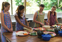South East Asia, Thailand, Phang Nga Province, Khao Lak, Pakinnaka Thai Cooking Class, making fresh spring rolls 20088079481| 写真素材・ストックフォト・画像・イラスト素材|アマナイメージズ