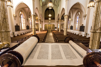 View with torah scroll with  interior of  hsitoric Congregation Mickve Israel Synagogue, Savannah, Georgia. 20088093583| 写真素材・ストックフォト・画像・イラスト素材|アマナイメージズ