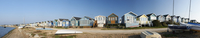 Panoramic view of beach huts in Mudeford at the entrance to Christchurch Harbour. 20089000101| 写真素材・ストックフォト・画像・イラスト素材|アマナイメージズ