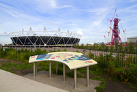 The London 2012 Olympic stadium the ArcelorMittal Orbit observation tower and site map in the Olympic Park in Stratford in the e 20089000914| 写真素材・ストックフォト・画像・イラスト素材|アマナイメージズ