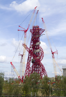Construction of the ArcelorMittal Orbit observation tower in the Olympic Park in Stratford. 20089000915| 写真素材・ストックフォト・画像・イラスト素材|アマナイメージズ