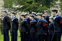 Members of the Sea Cadet Corps on parade at the Royal Salute for Coronation Day in Museum Gardens. 20089009434| 写真素材・ストックフォト・画像・イラスト素材|アマナイメージズ