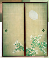 Moon with Hagi, one of a pair of sliding doors, Late Edo Period (w/c on silk) (see 226740 for pair) 22040199513| 写真素材・ストックフォト・画像・イラスト素材|アマナイメージズ