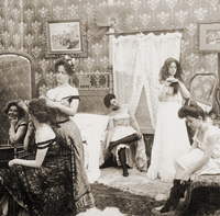 Dressing for the Ball', c.1900 (sepia photo) (see also 4732 22040242835| 写真素材・ストックフォト・画像・イラスト素材|アマナイメージズ