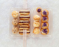 Chocolate-filled finger biscuits,lavender biscuits,almon 22199060798| 写真素材・ストックフォト・画像・イラスト素材|アマナイメージズ