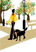 犬と散歩する女性 22987000062  写真素材・ストックフォト・画像・イラスト素材 アマナイメージズ