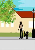 道を横断しようとする女性と犬 22987000069  写真素材・ストックフォト・画像・イラスト素材 アマナイメージズ