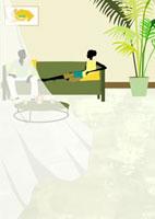 リビングでくつろぐカップルとカーテン 22987000086  写真素材・ストックフォト・画像・イラスト素材 アマナイメージズ