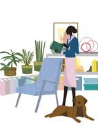 リビングに立つ女性と犬 22987000191  写真素材・ストックフォト・画像・イラスト素材 アマナイメージズ