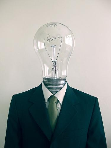 ロジカルシンキングに使える7つのフレームワーク。論理思考力を鍛えたい大学生は暗記必須!