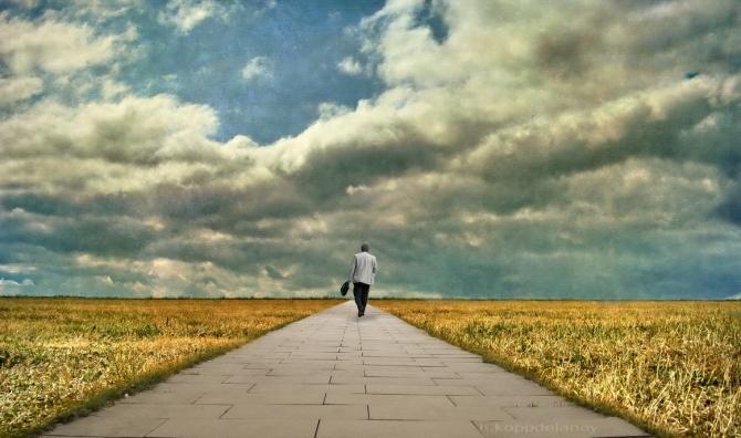 先輩から学ぼう!大学生が卒業後に選ぶ進路はどこが多いのか?