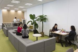 六本木が所在地の綺麗でおしゃれなオフィス。