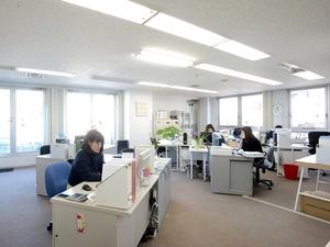 原宿の本部オフィスです。メンバー現在10名。9割が女性ですが、男性からの応募も歓迎です!