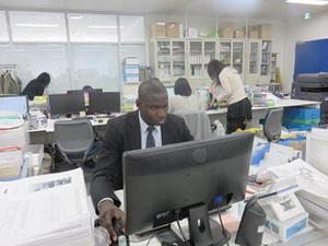 社内には外国人も在籍!グローバルな環境で働けます。