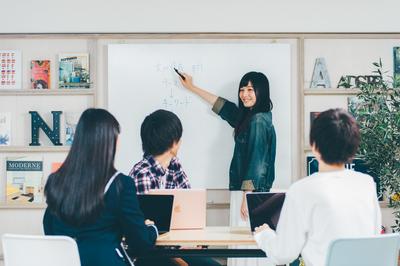 学校法人角川ドワンゴ学園(御茶ノ水)