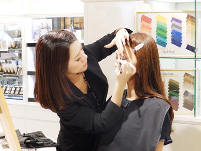 プロとして活躍する化粧品コンサルタントやメイクアップアーティストと一緒に働けるチャンス!!