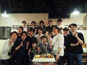 メンバーの誕生日はみんなでお祝いします!