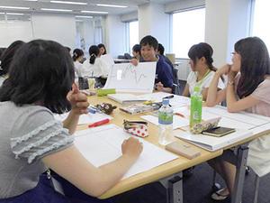ラボでは、学生が主体的に「キャリア」について考える機会を提供しています!