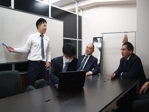 会計士・税理士だけでなく、弁護士や社労士等の各専門家と意見交換が出来る環境です。