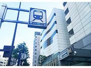 青山一丁目駅から徒歩3分と、アクセス良好です。