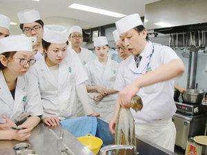 海外からの受講生も多くおります!今大注目の日本食文化を盛り上げよう!