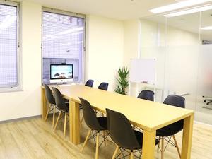オフィスは渋谷駅近。アパレルショップが並ぶおしゃれな神南エリアです♪