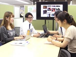日々、ARを組み合わせた企画の会議を行っています。インターン生も積極的に参加しています!