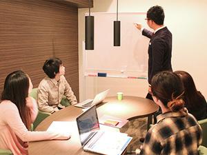 勉強会は毎日のように行われ、知識や発言力が身に付きます!