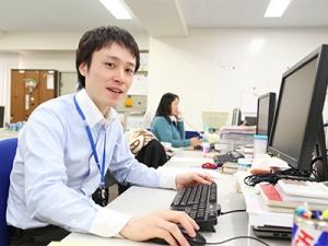 女性が多い職場ですが、男性社員も活躍しています。